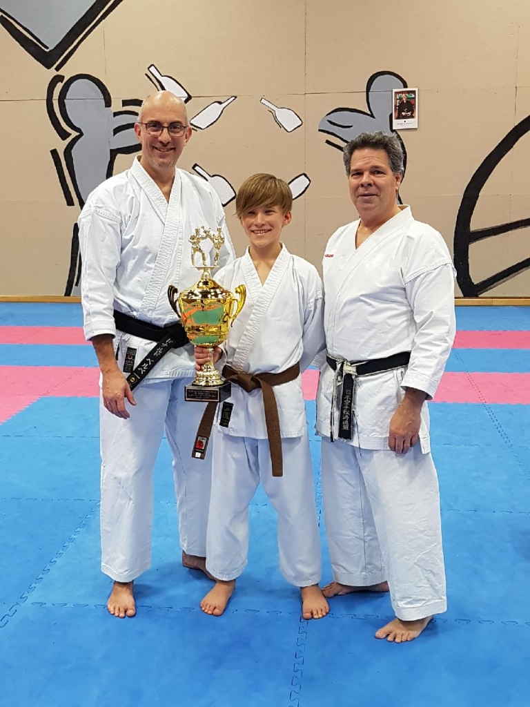 Karat ka de l 39 ann e club de karat shotokan de repentigny for Club piscine repentigny